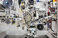 Wrapping head as a highlight of the RCB-HS high-performance packaging machine.